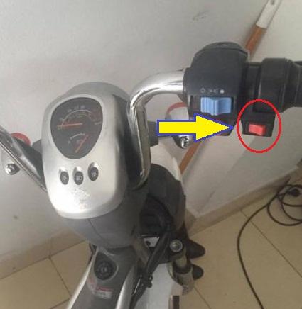 Công tắc nhanh chậm xe đạp điện Nija cũ