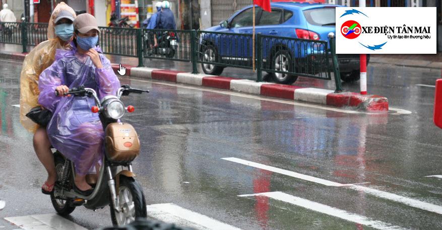 Sạc xe đạp điện bị dính nước
